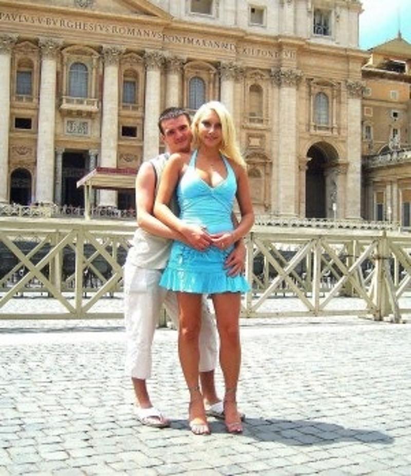 Junges Cuckold Paar aus Frankfurt sucht Mann, Paar oder Frau für Sex