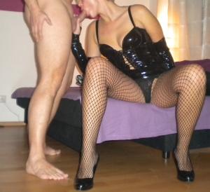 Lack und High Heel Fetisch Paar aus München sucht Kontakte