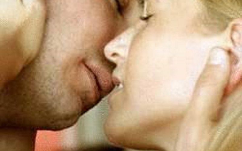 Attraktives Paar aus Erlangen sucht Mann, Frau oder Paar für Sex